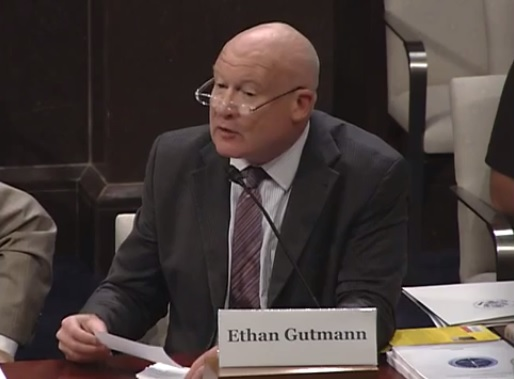 Investigative journalist Ethan Gutmann talks organ harvesting at the Congressional-Executive Commission on China on September 18 in Washington. (Screenshot/YouTube)