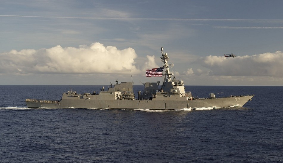 The guided-missile destroyer USS Momsen transits the Pacific Ocean in April 2016. (Image: Official U.S. Navy Page via flickr/CC BY 2.0)