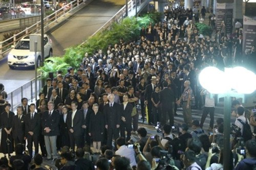 Approximately 3,000 legal professionals participated in a silent march on November 8 in Hong Kong. (Image: Vision Times)