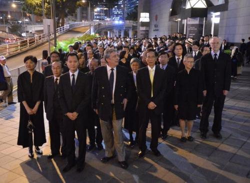 Senior counsel members, including Martin Lee, Audrey Eu, Graham Harris, and Alan Leong led the march. (Image: Vision Times)