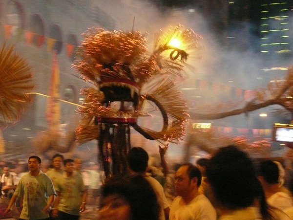 fire dragon dance hong kong tradition